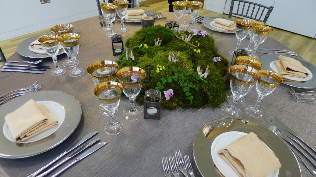 Moss and dry ice table centre