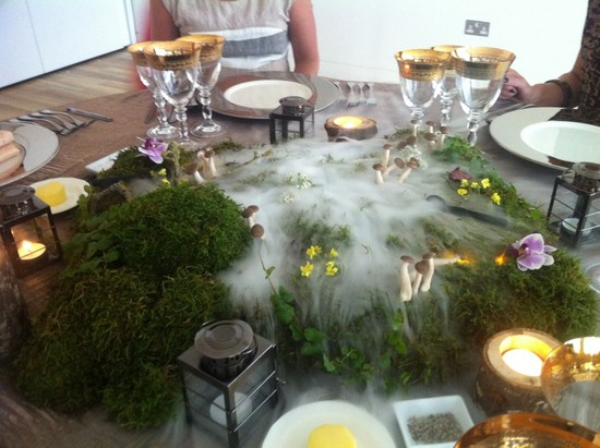 Dry ice table centre