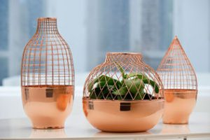 copper-cuivre-grid-vase-collection-de-jaime-hayon-pour-gaia-and-gino