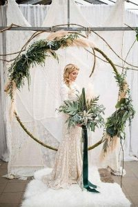 contemporary wedding arch